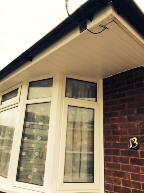 Replacement bay window in white uPVC